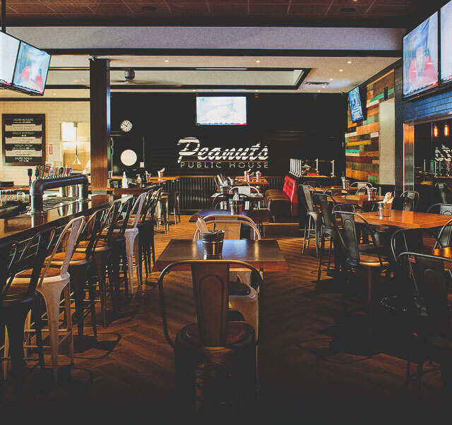 Peanuts Public House at Carriage House Hotel & Conference Centre